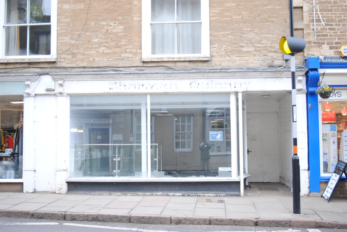 Market Place, Oundle    LET AGREED